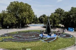 Így néz ki a Margitszigeten a 7500 virágból álló VB logo